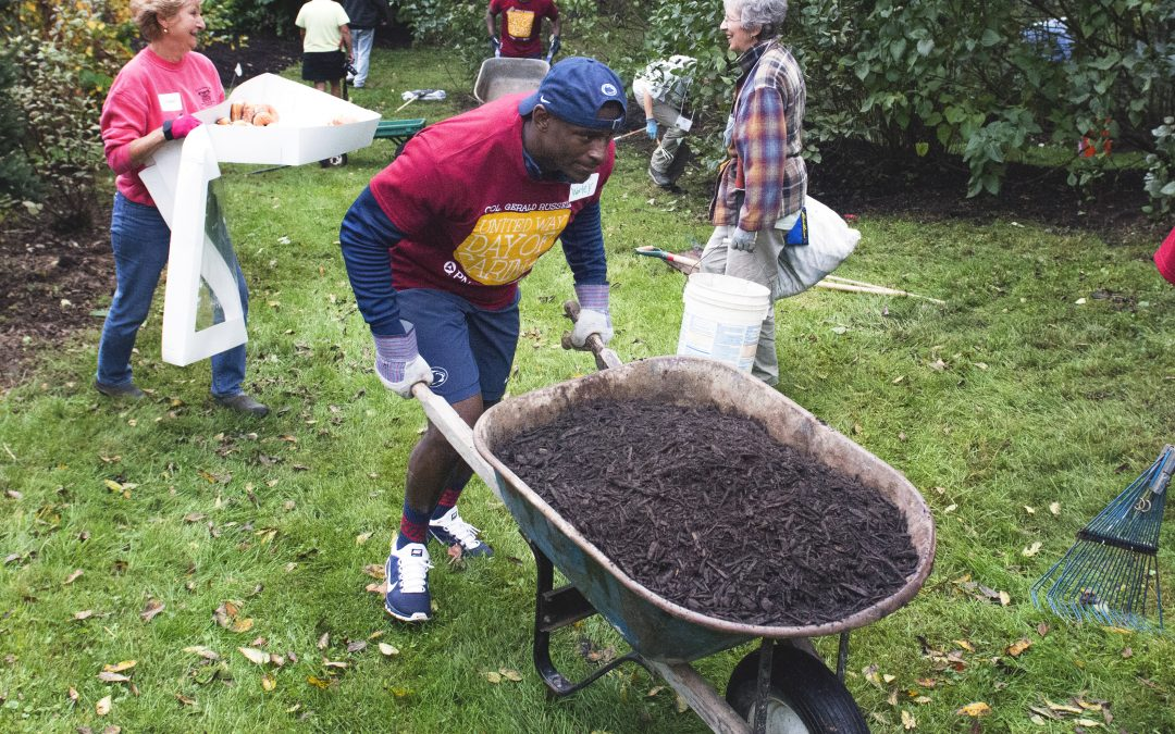 Penn State Football Volunteers For United Way Day of Caring